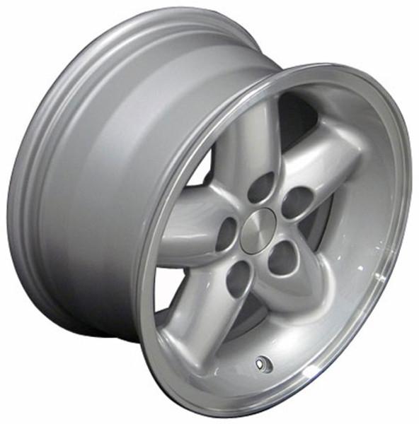 15x8 Silver rim with machined Lip